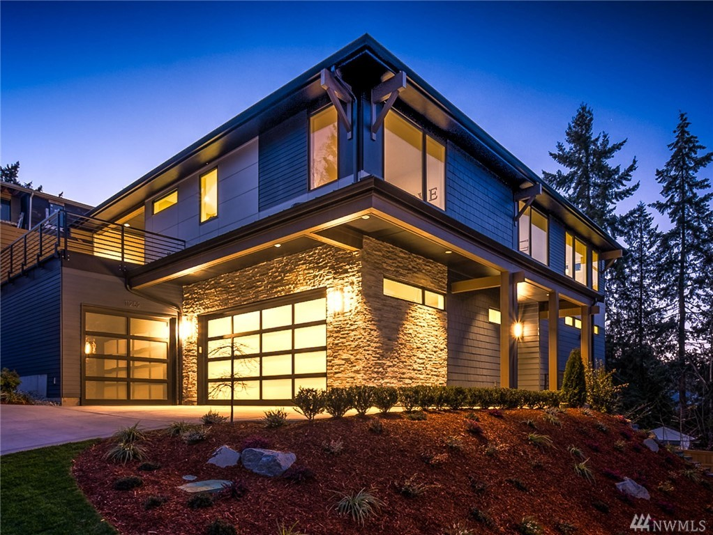 Impeccable Steve Jensen home envisioned for today's lifestyle. 5bed/6ba home conveniently features main flr guest bed w/ensuite. Great room area is filled w/light & looks out over neighboring trees. Chef's kitchen: rich cabinetry, quartz counters, island & Wolf/SubZero appliances. Incredible Master:fireplace & sumptuous bath.Lower level w/rec room/bar area/wine cellar/guest bed & bath. 3 outdoor areas-perfect for entertaining.Special property w/views of surrounding hills & peeks of the Cascades.