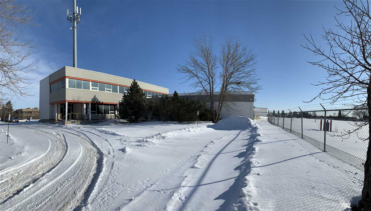 8705 24 Street NW, Rural Strathcona County, AB T6P 1L2