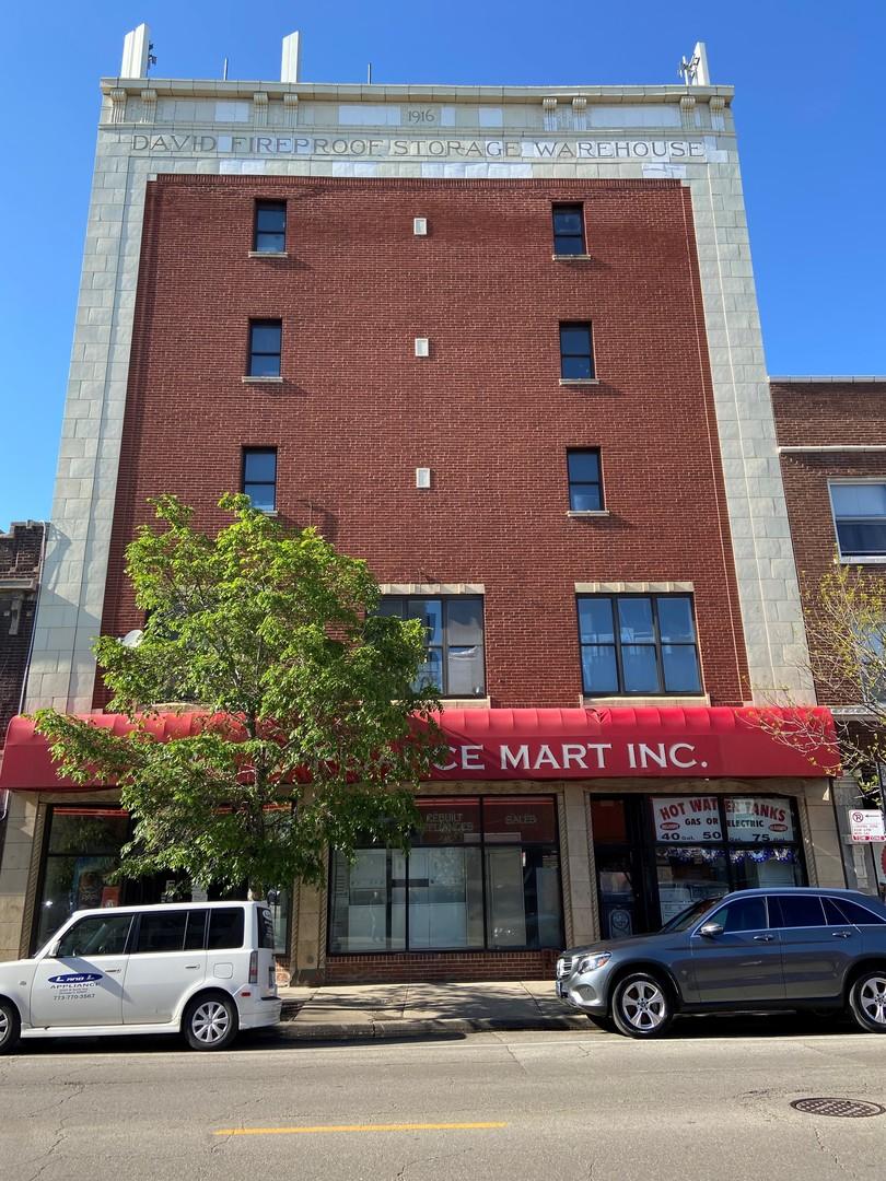 3240 W Lawrence Avenue, Chicago, IL 60625