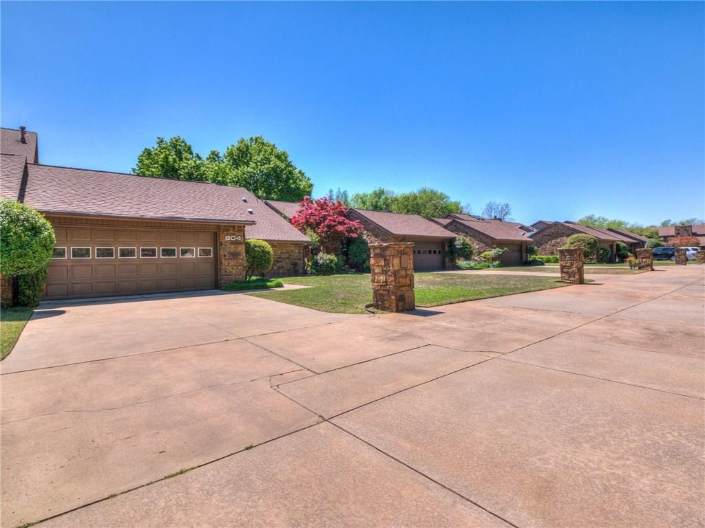 This gorgeous patio home boasting modern decor and a complete remodel in 2017, new exterior paint in 2018, and new HVAC in 2019 is ready for you. This amazing home located steps from the beautiful campus of the University of Oklahoma had a full remodel that included quartz counters, stainless steel appliances, wood floors, and updated modern paint. Situated in a lovely community with green spaces/parks and a lovely pool, this home will not last long.