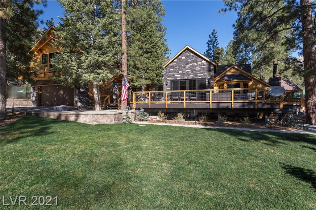 UPDATED MULTI-GEN SMART HOME W/SO MANY UPGRADES! TUCKED IN AT END OF RAINBOW SUB AWAY FROM HWY NOISE YET ONLY 25 MIN FROM SHOPPING CTRS*3 LIVING AREAS W/PRIMARY BEDS & KITCHENS*12 FT SLIDER OPENS TO HUGE 820 SQ FT FRONT DECK*LARGE EAT-IN COUNTRY KITCHEN W/LOADS OF CUSTOM CABS & GRANITE COUNTERS*STAINLESS APPLIANCES*INDUCTION STOVE, WINE FRIDGE, DUAL DISHWASHERS*HIGH WOOD CEILINGS*3 SEPARATE HVAC ZONES W/HIGH SEAR UNITS*HIGH ALT LOW-E WINDOWS W/RETRACT SCREENS*SOLID WOOD DOORS*2 PELLET STOVES*WOOD FIREPLACE*UPGRADED ALLURE SHADES*750 SQ FT GARAGE ADDITION COMPLETED 2016 W/750 SQ FT PRIMARY SUITE ABOVE COMPLETE W/FULL KITCHEN, BATHROOM, WALK-IN CUSTOM CLOSET & FRONT FACING BALCONY*MAIN HOUSE REMODEL 2020 W/NEW FLOORS, FIXTURES, ELEC & PLUMBING*ENCLOSED BACK YARD*ZONE APPROPRIATE TREES,SHRUBS & GRASS*2-STORY SHED W/POWER*SEPARATE ENTRANCE WALKOUT BASEMENT SUITE W/LIVING ROOM, BEDROOM, DINING ROOM, KITCHENETTE & BATHROOM*HEATED PAVER DRIVEWAY*HOME IS SET UP FOR YEAR ROUND ACCESS & LIVING!