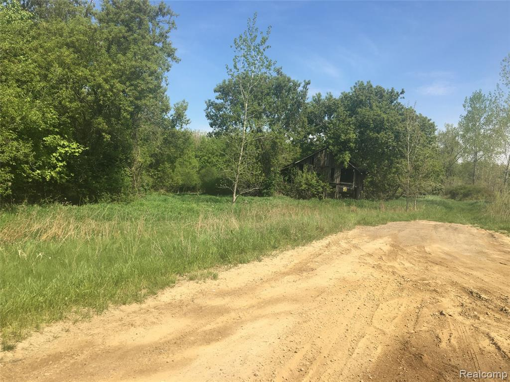 Do you dream of owning a private, large property that you can hunt or camp on? This parcel is 40 acres of beautiful land just waiting for the right buyer.  Don't wait, come see the parcel today!