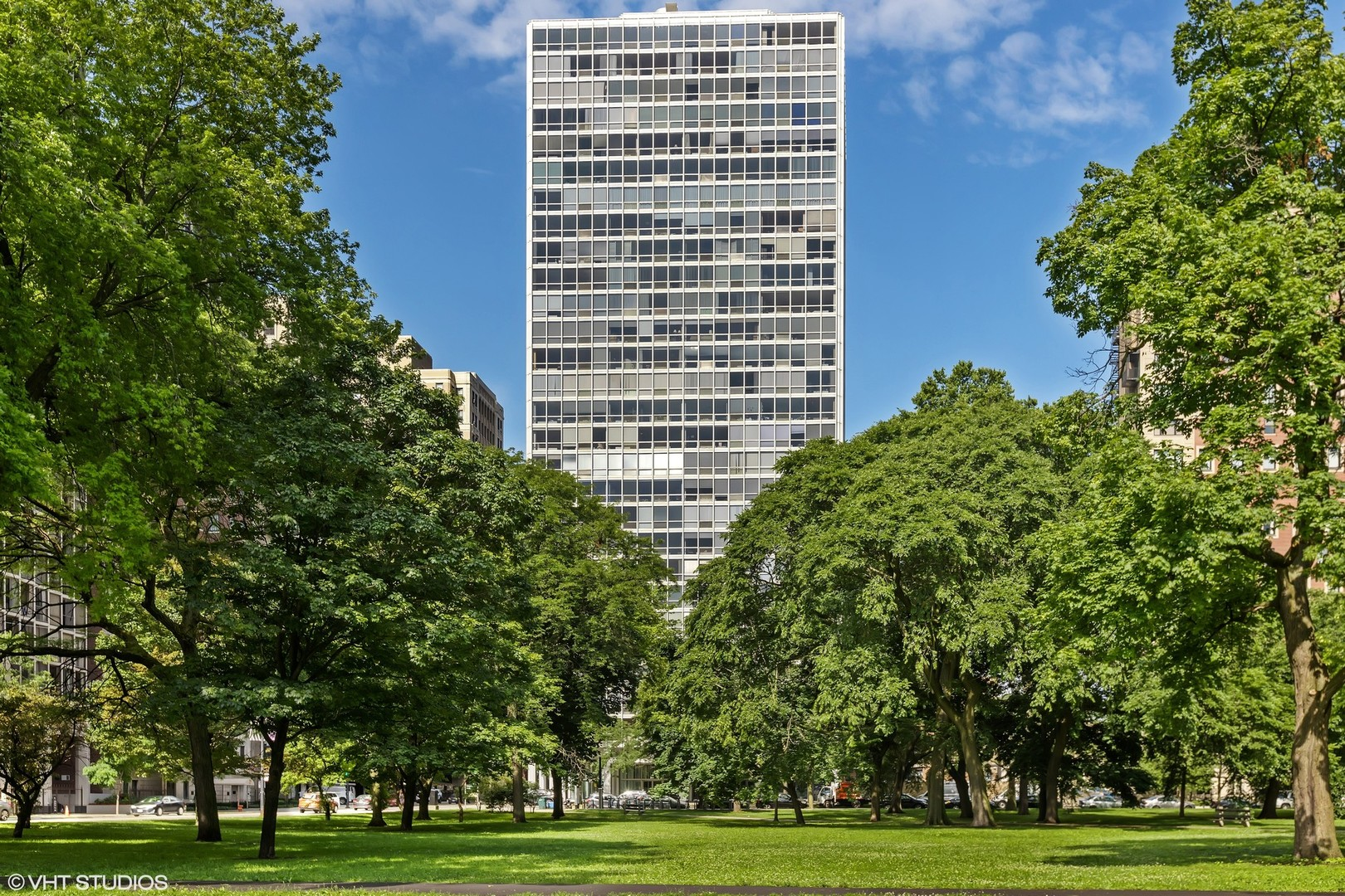 2400 N Lakeview Avenue 2302, Chicago, IL 60614