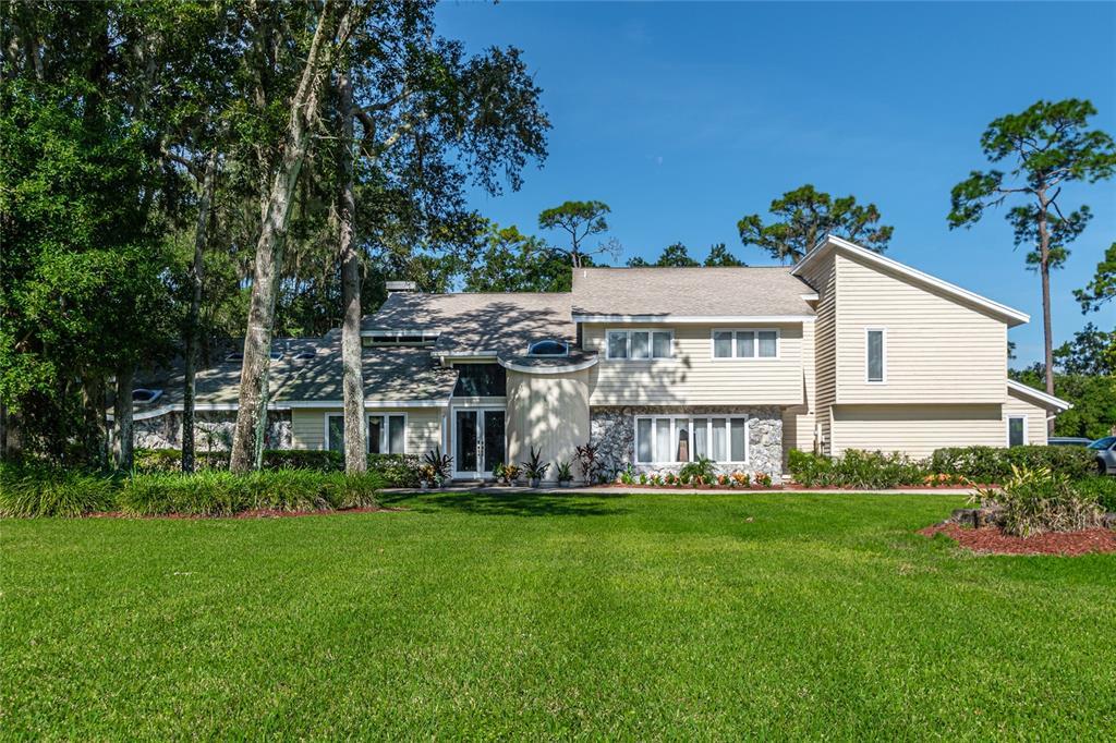 17506 Mallard Court, Lutz, FL 33559