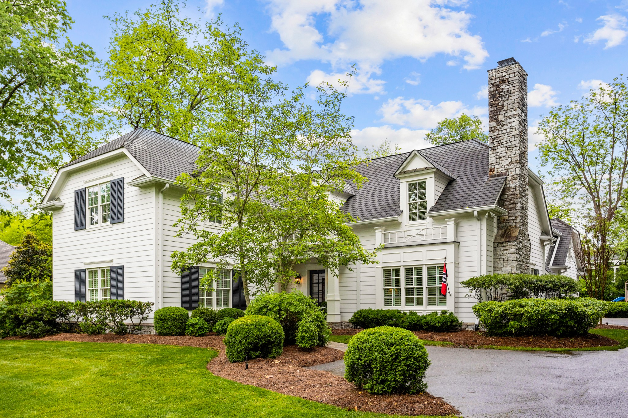 Classic Cape Cod style home on sought after Belle Meade street. 10 foot ceilings, pocket doors and sleek finishes make this 5 bedroom home a must see.Private, main level master suite.French doors open off of family room w fireplace.Large upstairs den/rec room.Attached garage and level lot.