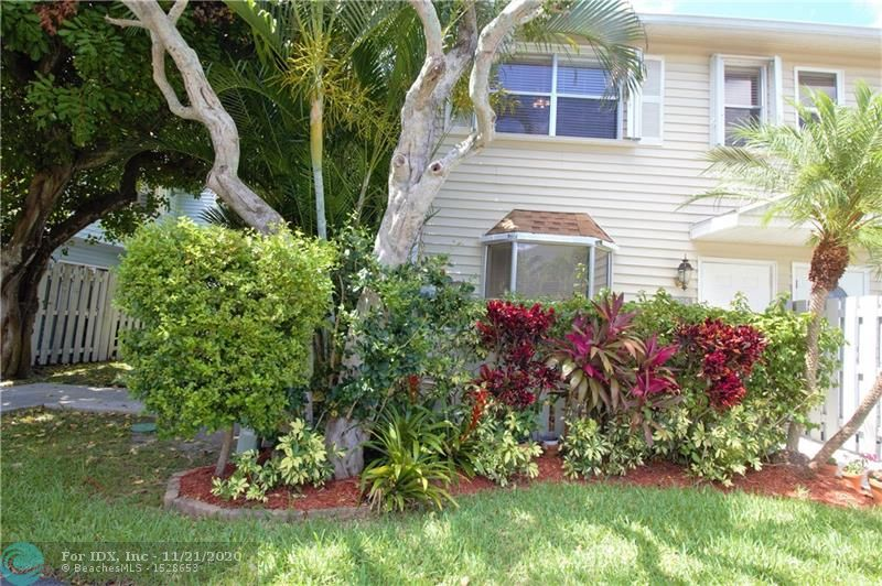 Nicely maintained 2 bedroom/1.5 baths in Edgewater Townhomes' community located in one of the best locations in Ft. Lauderdale. Open concept kitchen with SS appliances and granite countertops. Second floor boasts high ceilings with split floor plan for both bedrooms. Jack & Jill bathroom on the 2nd floor. 1/2 bath on the first floor. Washer/Dryer in unit. First floor is tiled and carpeting throughout 2nd floor. Perfect home for a first time homeowner. Hurricane shutters for all windows and openings. Low HOA fees at $190.00 per month. Can lease the first year and pet friendly community. Nice over-sized back patio with privacy and access to the pool. Beautiful views of the river and the park from your master bedroom. Close to Wilton Drive, fine dining, and the beach!