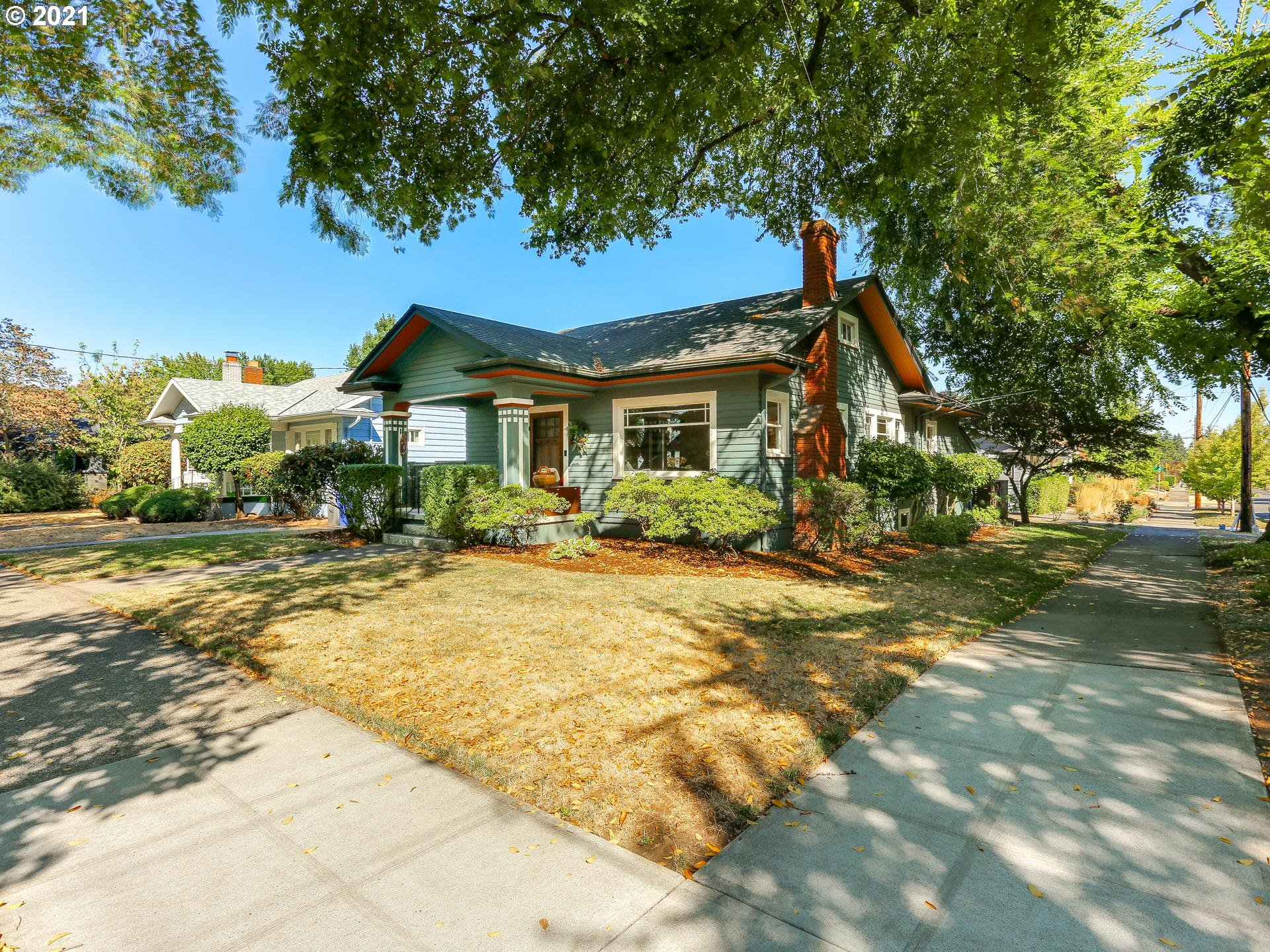 Open, 9/19, 12-2pm! Tucked away in Rose City, discover this quiet enclave of vintage homes, historic parks and treelined streets. Built of organic, natural materials, old growth Fir, original fittings, classic built-ins, handsome millwork this is an American Bungalow. Restored, renovated, ready for another 100 years w/intelligent improvements, quality finishes, fixtures and design driven renovations. Clever WFH space in the kitchen, another on the lower level which functions as a separate suite. [Home Energy Score = 6. HES Report at https://rpt.greenbuildingregistry.com/hes/OR10194876]
