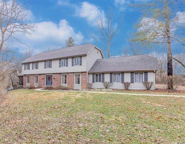 14 Chesterfield Lakes Road, Chesterfield, MO 63005