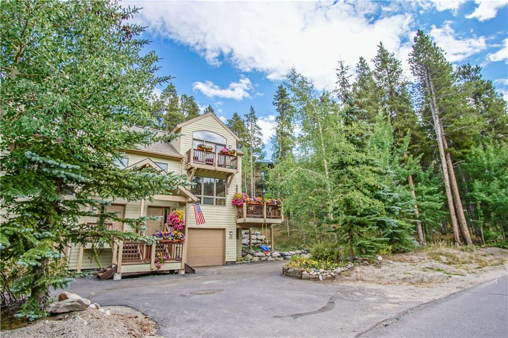 Gorgeous bright, sunny, spacious residence and just a short stroll to Main Street. This home has a lovely south facing deck which is adjacent to a beautiful aspen grove situated on dedicated open space. The bus stop is only steps away! The large living, dining and kitchen area provides ample entertaining space to enjoy social and family gatherings or cozy up to the warmth of the natural gas fireplace at the end of an amazing outdoor adventure day. Excellent floor-plan providing maximum privacy.