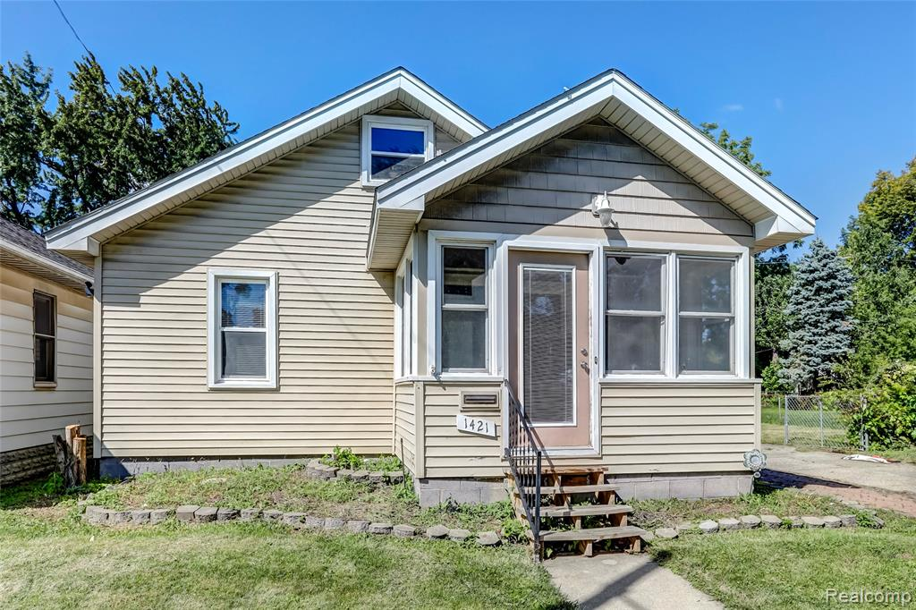 MOVE IN READY CHARMING RANCH HOME! This 824 SQFT home features 3 beds, 1 bath and 1 car detached garage. Beautiful spacious porch will make a nice spot to relax and large living area will make a perfect place to entertain. Come see this gem before it's too late.