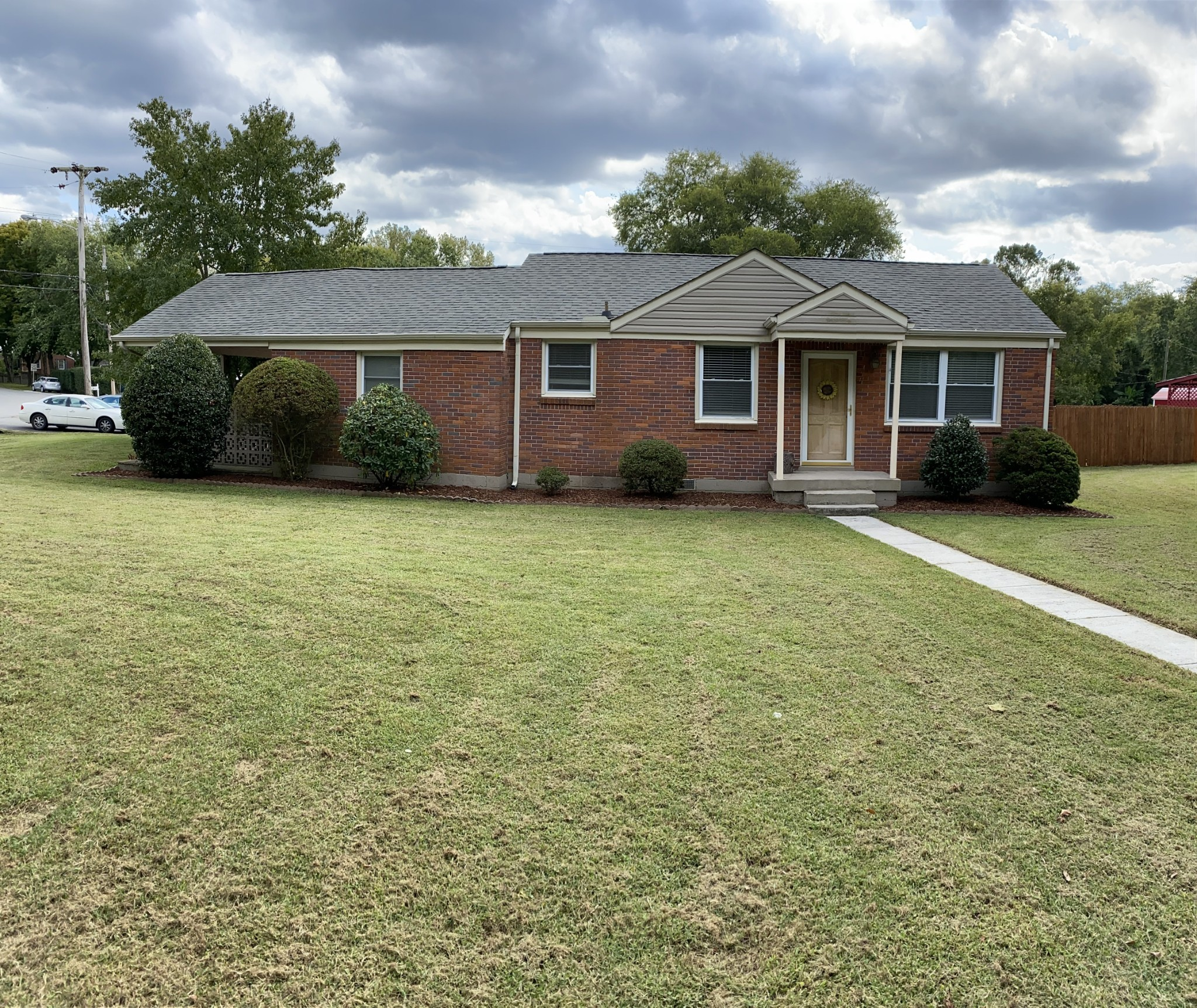 Newly renovated ranch home located in Donelson.  This home is on a corner lot in a highly desirable neighborhood. Updated kitchen with granite countertops and new appliances. Refinished hardwood floors. Move in ready. Den can be used as a third bedroom.