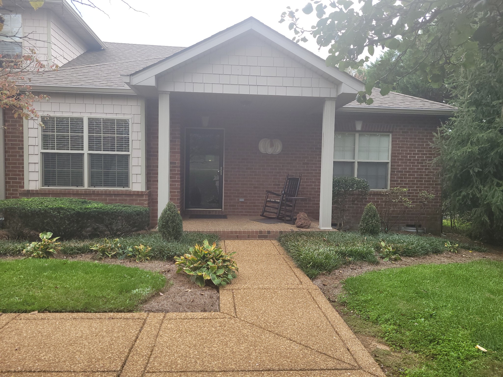 New Laminate Hardwoods, Built-Ins for crafts or Office W/ Murphy Bed. New HVAC, New Roof 2020, Updated with Screened In Porch and 1 car garage. One Level. Stackable Washer & Dryer Remain. Newer Water Heater.