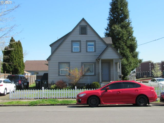 226 NW MCNARY AVE