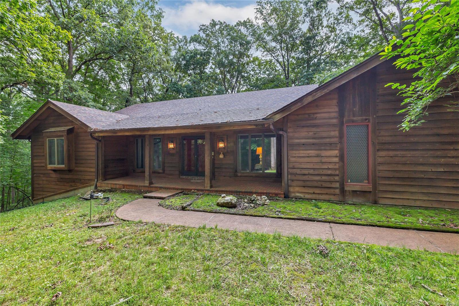 18516 Red Tail Court, Wildwood, MO 63069