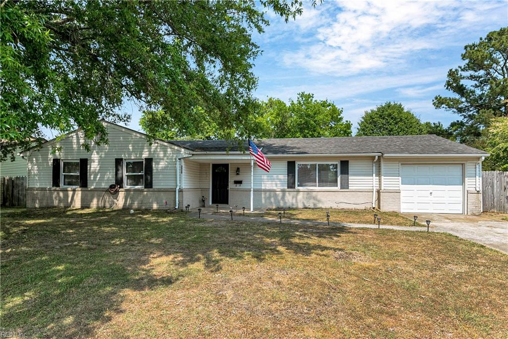 Welcome home to this adorable 4 bedroom 2 bath ranch on a cul-de-sac.  Fresh paint, new flooring, new kitchen, new carpet.  Move in ready!  Centrally located, close to interstate, shopping and great food!