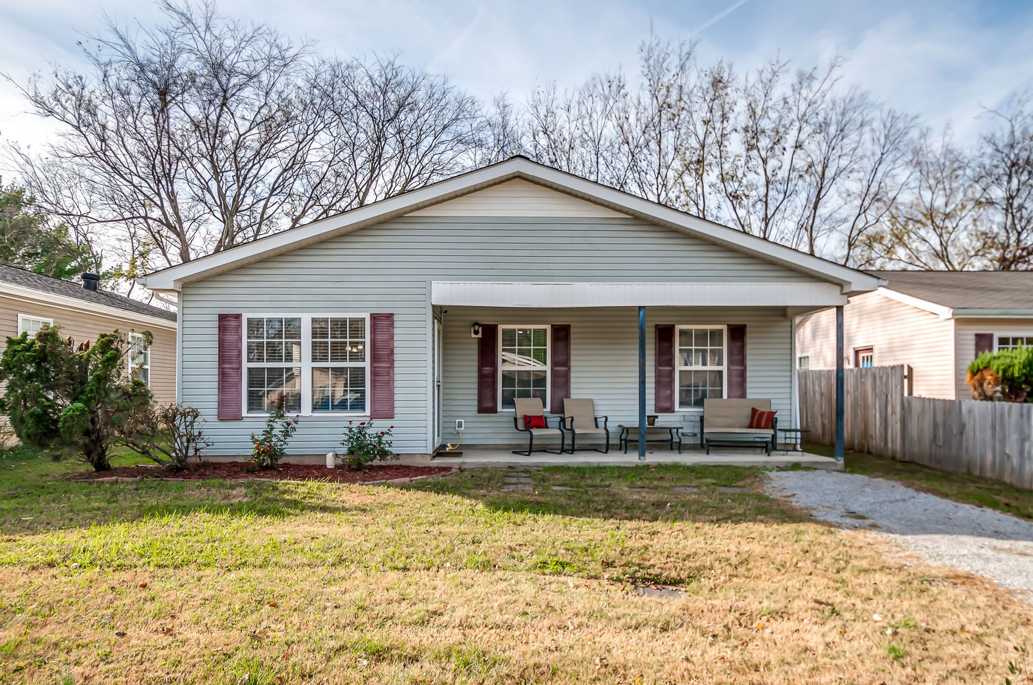 This adorable cottage style home is located just minutes from historic downtown Franklin.  Inside you'll find beautiful Bamboo flooring and stainless steel kitchen appliances with a granite countertop Island. Outside you'll find a privacy fence around a sweet back yard and a brand new roof (November 2020).  ***Owner Occupant Contracts Only***