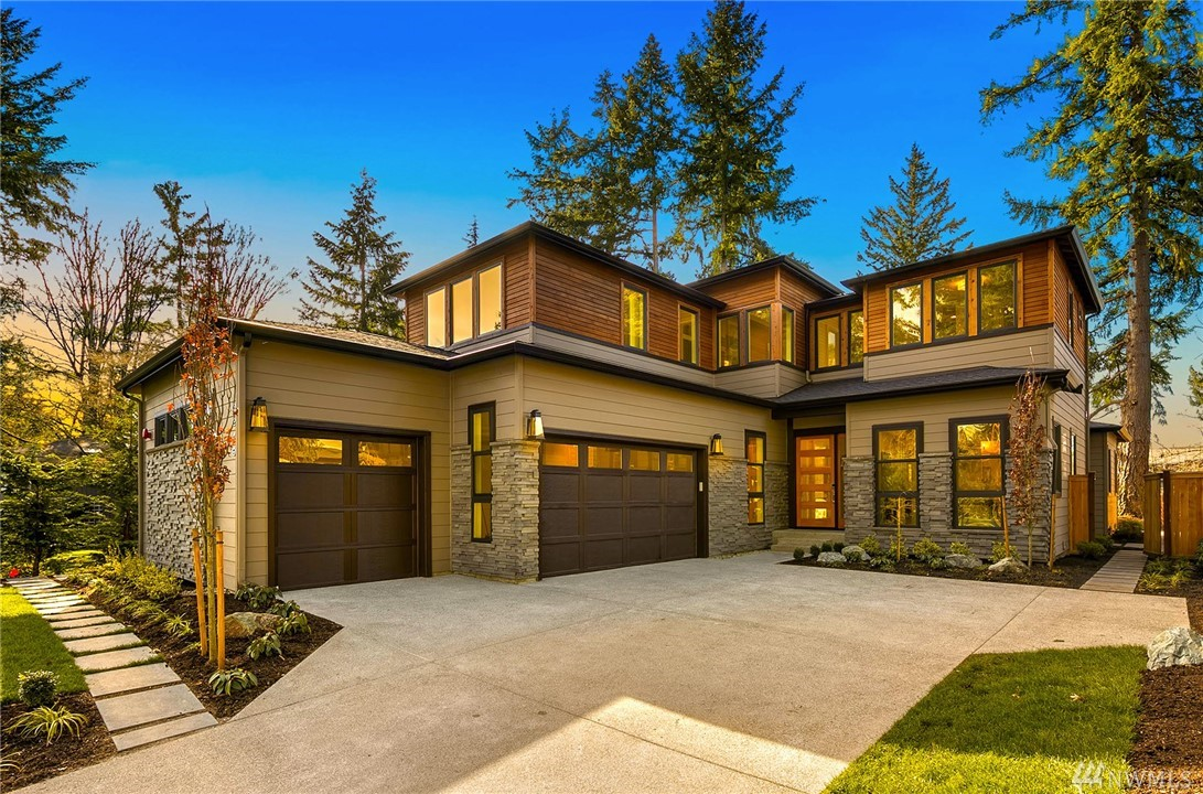 JayMarc Home's Newest Masterpiece,The Tuscany. A Modern Design Where Form and Function Entwine. Ten Ft Ceilings, Spacious Guest Suite w/walk-in closet and en/suite bath. Wolf/Bosch/Electrolux Appliances w/Designer Quartz and Tile Throughout. Upstairs offers Master Bedroom w/three additional bedrooms and Flex Space. Covered Patio w/thru-Fireplace, Generous Flat Lot in Coveted First Hill. Close to all of MI Amenities. JayMarc Homes is Houzz Best in Customer Service Four Years in a Row!