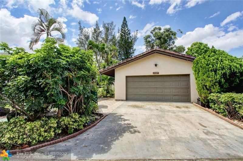 COME TAKE A LOOK AT THIS ONE OF A KIND HOME WITH 4 BED/3 BATH. HOME FEATURES HAND PAINTED CEILINGS & WALLS MURAL, SCULPTURES BY EUROPEAN ARTISTS, LAVISH MARBLE, GRANITE, WOOD AND CUSTOM CABINETRY THROUGHOUT. CUSTOM DOORS & FLOORS! PROPERTY FEATURES STORM SHUTTERS AND CUSTOM CABINETRY THROUGHOUT. SCHEDULE A PRIVATE SHOWING TODAY. THIS HOME HAS A CONDO ASSOCIATION, MUST PURCHASE WITH CONVENTIONAL LOAN
