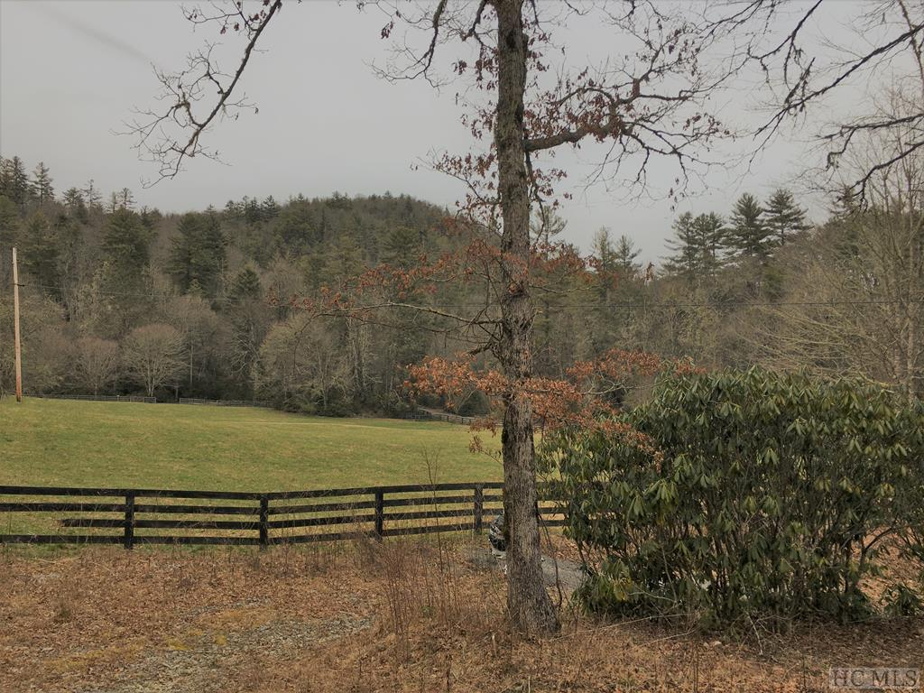 3264 Turtle Pond Road, Highlands, NC 28741