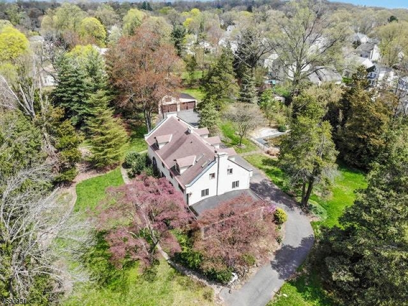 "GRACIOUS OLD WORLD CHARM JUST WAITING TO BE RESTORED TO IT'S ORIGINAL GREATNESS! VERY PRIVATE GROUNDS ON 2.58 COMBINED WITH A CARRIAGE HOUSE. UNIQUE OPPORTUNITY AWAITS YOU. 2.58 ACRES INCLUDED BLOCK 1304 LOT 29 IN WESTFIELD TAX MAP. BANK OWNED AND BUYER IS RESP FOR REALTY TRANSAFER TAX, ANY  CERT/INSPEC REQD AND IS BEING SOLD ""AS IS"". PUBLIC SEWER AND WATER IS AVAILABLE AT BUYER EXPENSE.  ***HIGHEST AND BEST DUE 5/5 SUNDAY MIDNIGHT***"