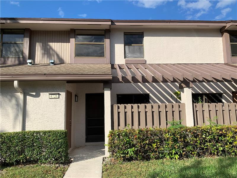 Beautiful water front townhouse. Move in  ready with up dated kitchen and new floors. Freshly painted. Convenient location for commuting. Close to schools.