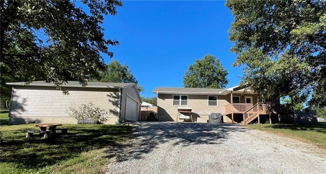 19524 State Route W Highway, Cosby, MO 64436