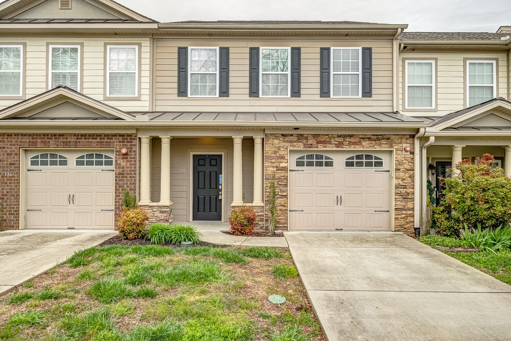 Great 3 bedroom, 2.5 bathroom home! This home features an open floor plan, large primary suite, and patio! Located across from a lake with a marina just a block away! Renting is permitted with a minumun of 6 month lease as per CCR's page 24 section 10. B