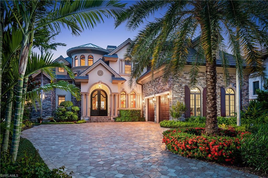 2040 KINGFISH Rd, Naples, FL 34102