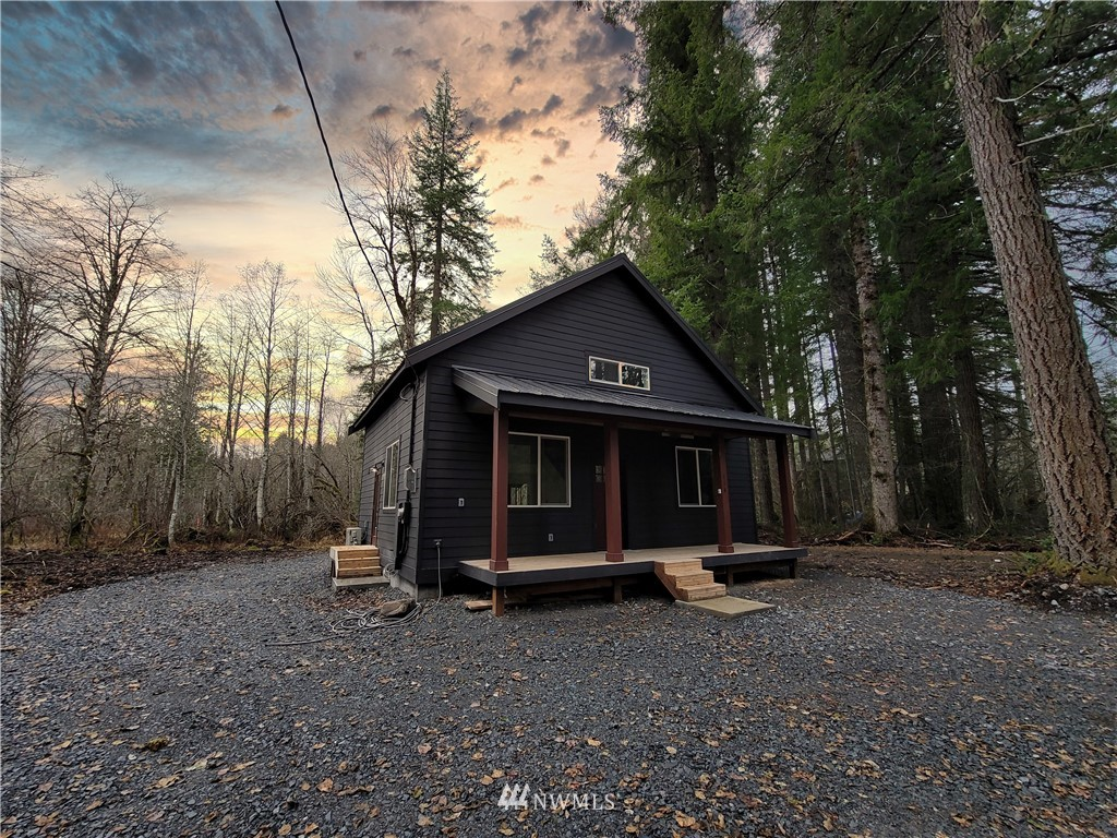 New presale 2 bedroom 2 bath Cabin with a loft overlooking the great room and a den. Located at the base of Mt. Rainier with a short drive to nearby lakes, camping, hiking and white pass so it is a perfect location for an Airbnb or your own getaway cabin in the woods. Paradise Estates has 2 lakes and clubhouse, Come see it today.