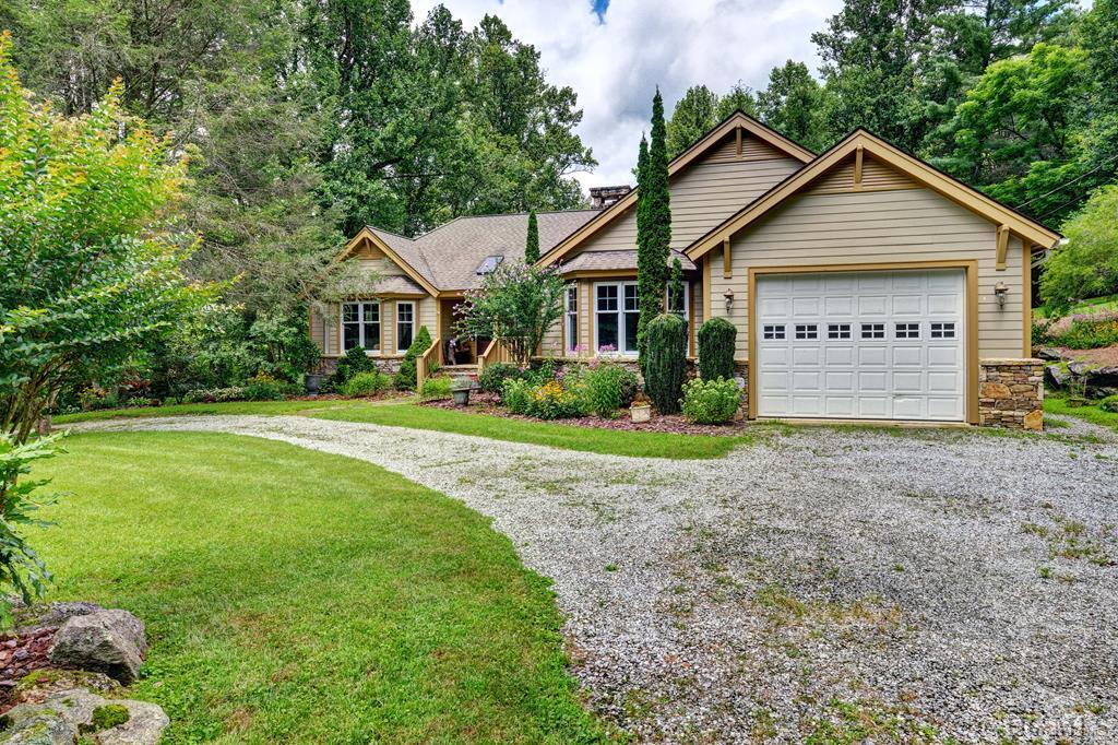 611 Blue Valley Road, Highlands, NC 28741