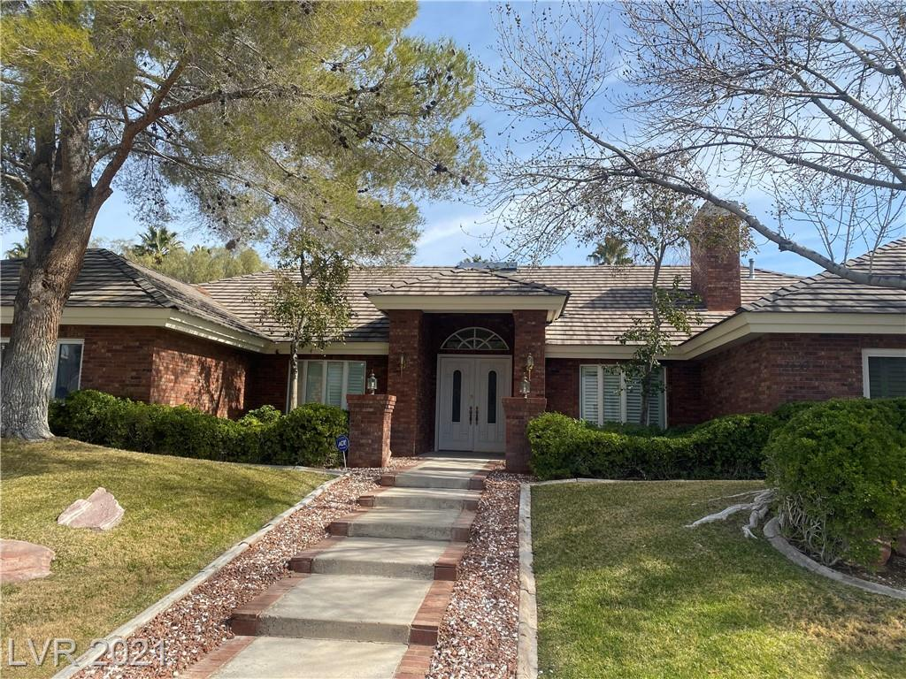 Beautiful Corner Lot Single Story Custom Home In a Quiet Neighborhood! Gorgeous custom pool and SPA with waterfall! Stunning inside and outside!!