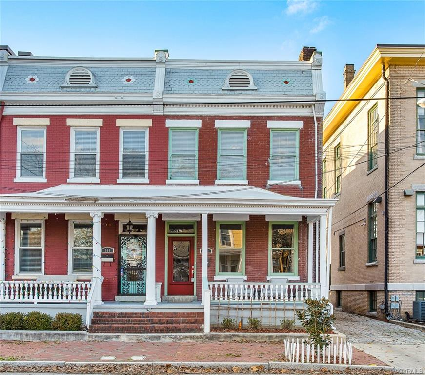 If you love City Life then your dreams just came TRUE! This Renovated & Updated 1911 Church Hill Rowhouse will be sure to make you smile. All Brick Semi Attached and full of Class & Style. High Ceilings, Columns, Exposed Brick, Pocket Doors, Hardwood Floors! Gourmet Kitchen, Gas Cooking,  Just 1/2 Block from Chimborazo Park! New Roof, Updated Electrical and the list goes on and on! Additional Attic Storage which is  rare for Row Houses!