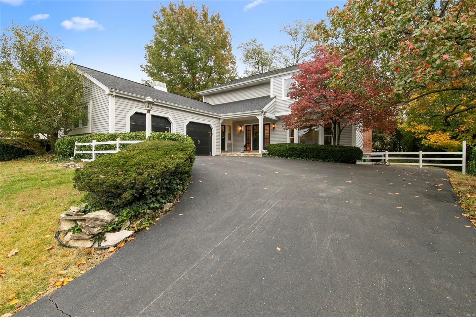 13215 Pinetree Lake Drive, Chesterfield, MO 63017