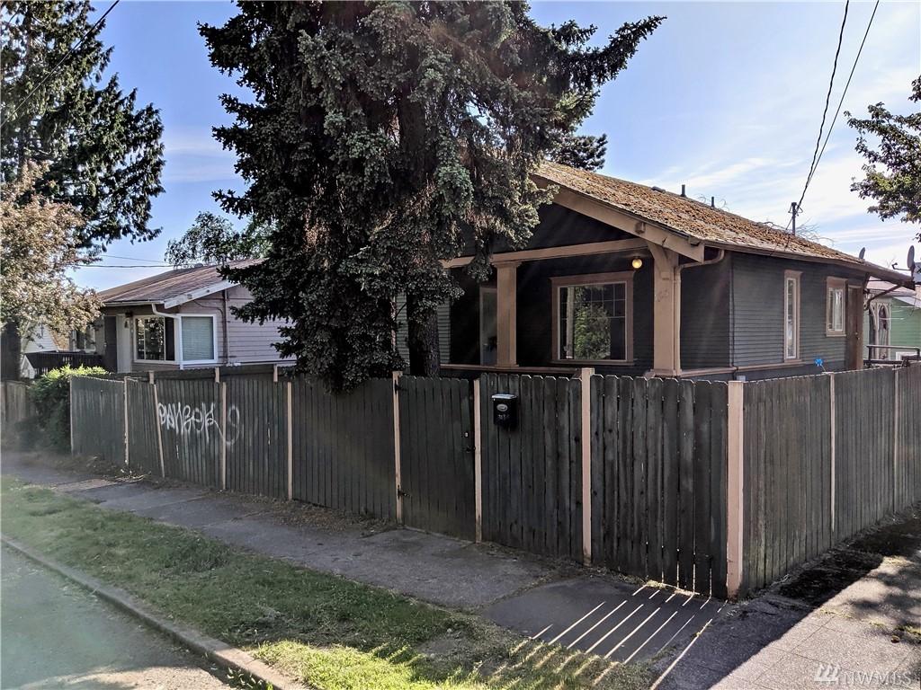 703 29th Ave S, Seattle, WA 98144