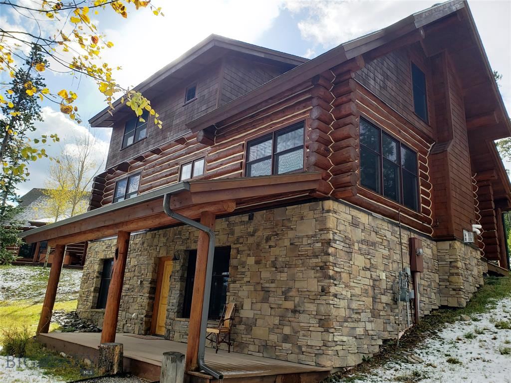 Professional designed interior and furnishing of highest quality makes this unit stand out.  Offering great views of the Spanish Peaks with some of the best ski access in Big Sky right off the back deck.  Never rented and in excellenet condition.  Offered fully furnished and turn key.