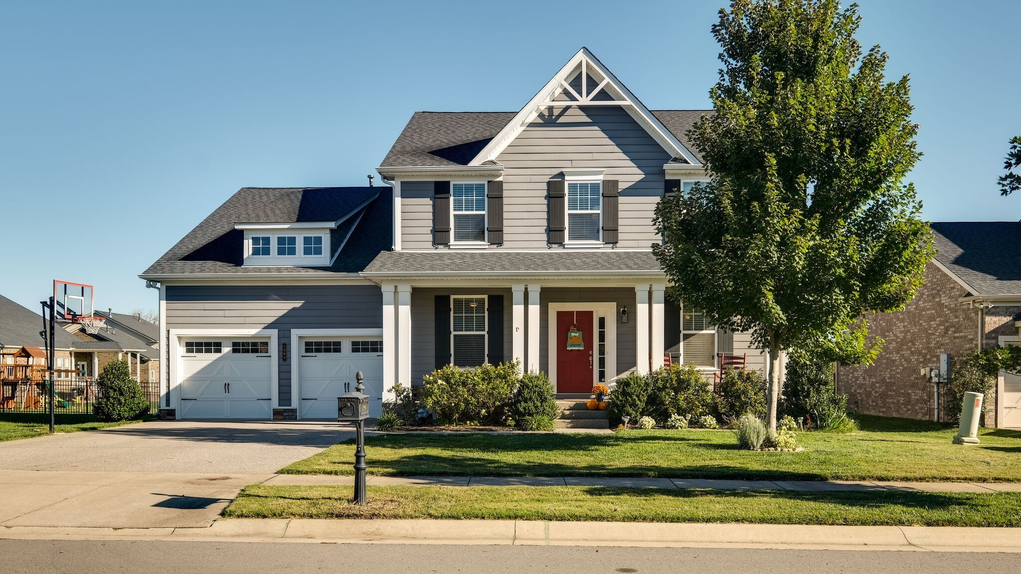 Made for a family! 5 Bd/ 4 1/2 BA. Open Den w/ a wall of Window& Fireplace. Hardwoods in Living Areas. Kitchen w/ Double Ovens, Cooktop, & Granite. Custom Pantry &Butler's pantry w/Icemaker. Dinning Room and Office. Master Suite on Main Floor. Huge bonus with Built-Ins. Deck and Patio Perfect for Entertaining. All Offers Submitted by 10/26 at 5.