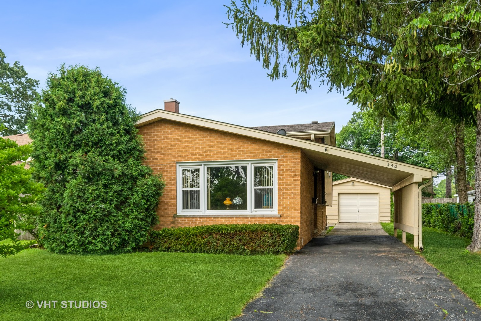 440 Barberry Road, Highland Park, IL 60035