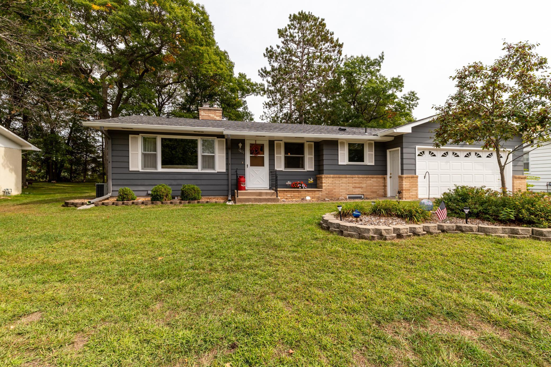 Extremely well maintained 4 bed/2 bath home in a great Brainerd neighborhood. Home features 3 bedrooms on the main level, spacious main level family room w/ gas fireplace, 3 season porch, main level living room, lower level family room, attached garage, spacious kitchen, and updated roof, updated windows and much more!