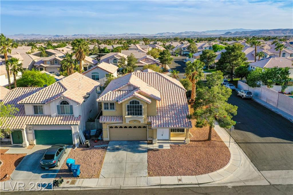 BEAUTIFUL HOME IN SUMMERLIN AREA, 2 STORY,  3 BEDROOM, LOFT COVERTED INTO 4TH BEDROOM, 3 BATHS ON LARGE CORNER LOT. PROPERTY HAS NO HOA! HOME IS PERFECT FOR SUMMER HAS A POOL & SPA, 20 MINS AWAY FROM THE STRIP, NEEDS TLC, SO MUCH POTENTIAL! MUST SEE!!