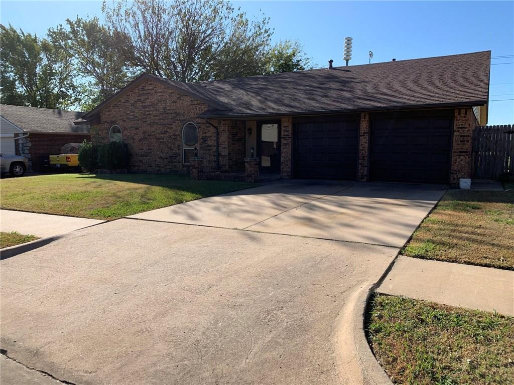 Beautiful home with a newer kitchen and bathroom! Centrally located in Moore with easy access to all the schools. Just minutes from Tinker AFB & downtown OKC. Seller is open to offers!