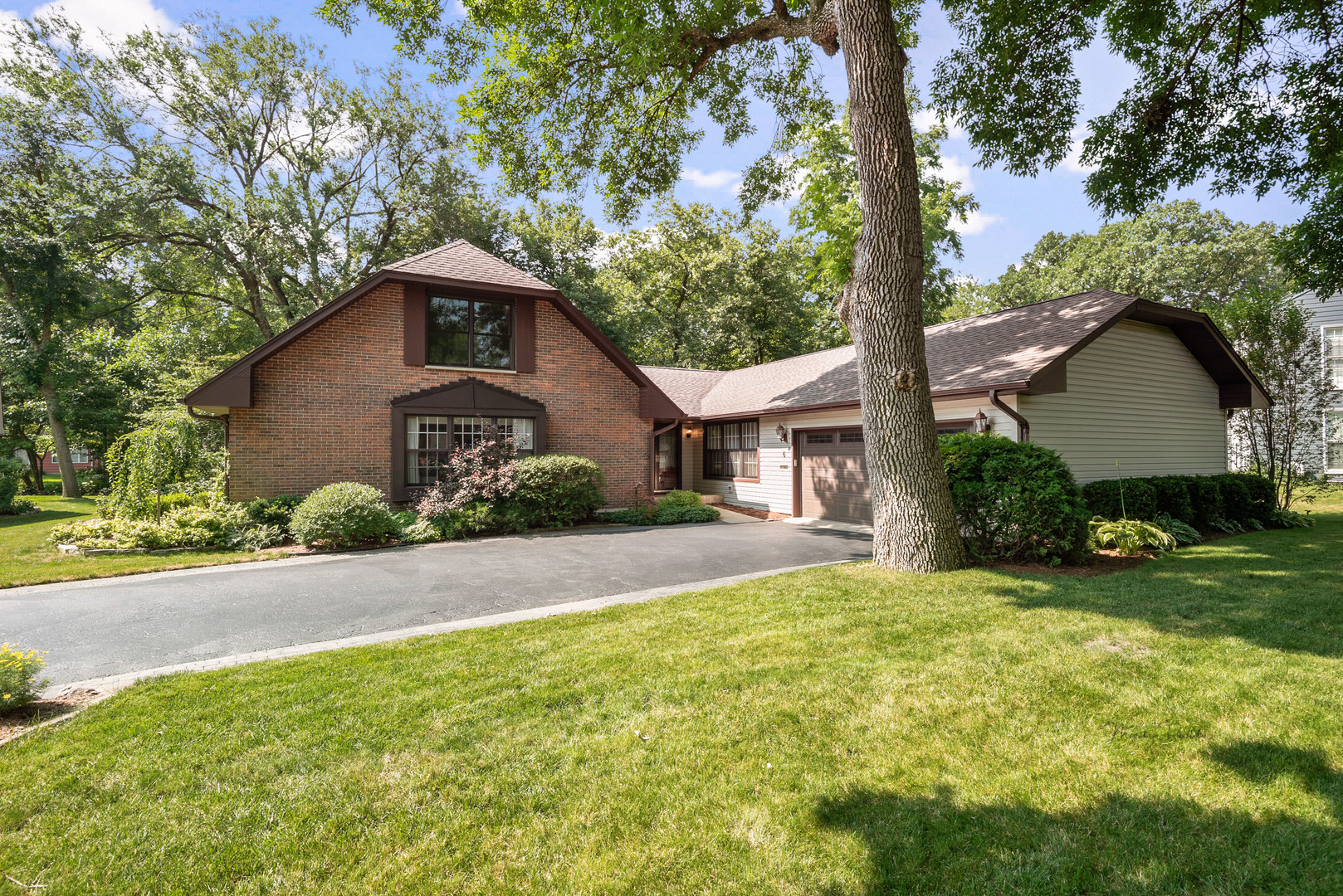 6 Fieldstone Road, Rolling Meadows, IL 60008