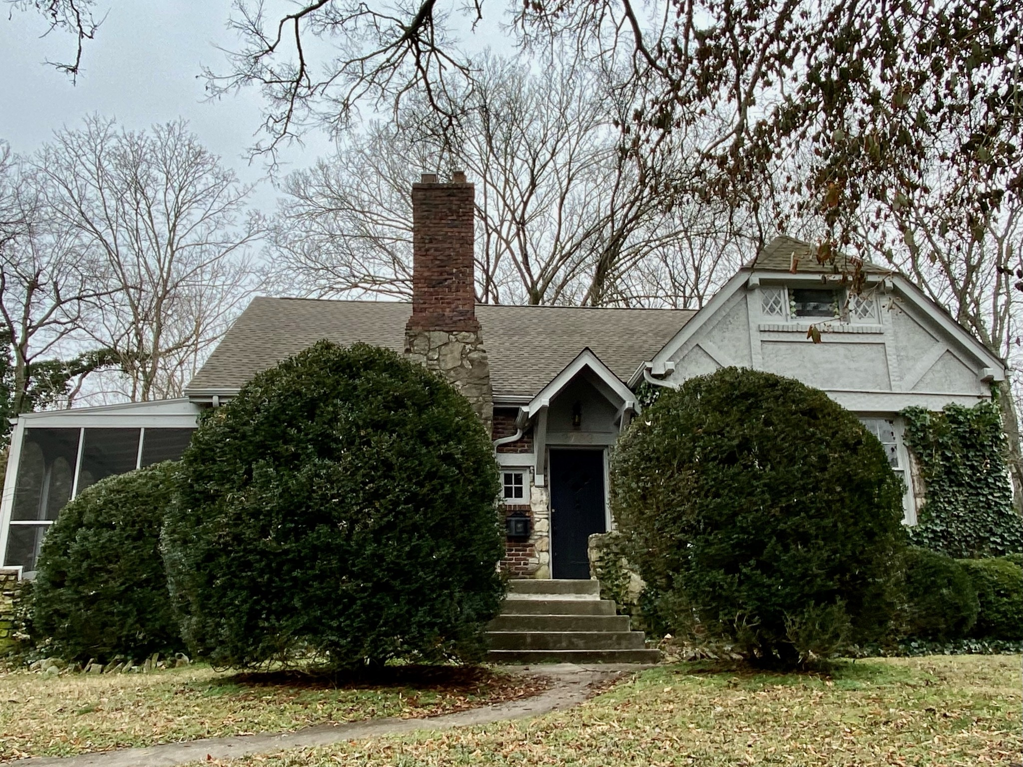 Renovated 1930's Tudor in Historic Richland/West End. Enjoy this walkable neighborhood with easy access to Sylvan Park restaurants and shopping, McCabe golf course, the Richland Greenway, and so much more. Easy access to I-440 makes this location convenient to most of the Nashville neighborhoods!  Large double lot leaves plenty of room to expand the house and add a pool or garage to make this home suit all of yours needs. The screened in porch is perfect for enjoying this crisp fall weather!