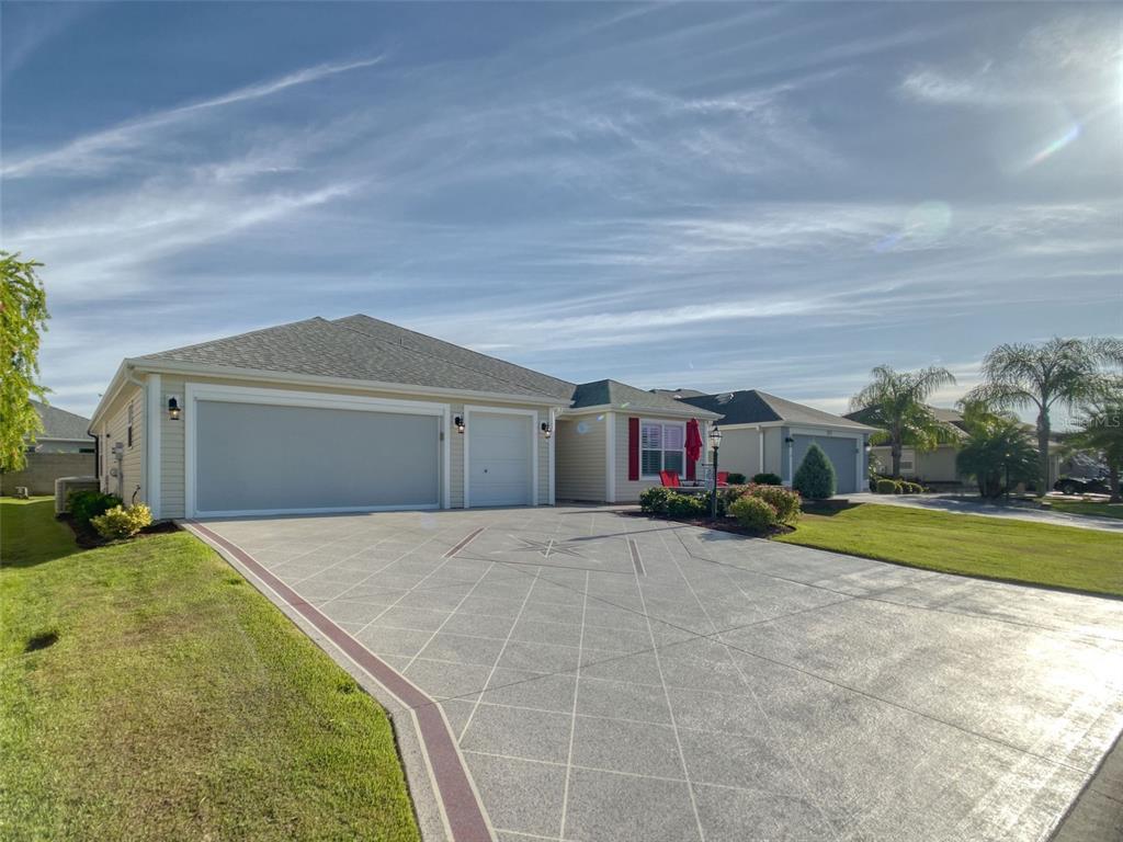 579 Grapeland Street, The Villages, FL 32163