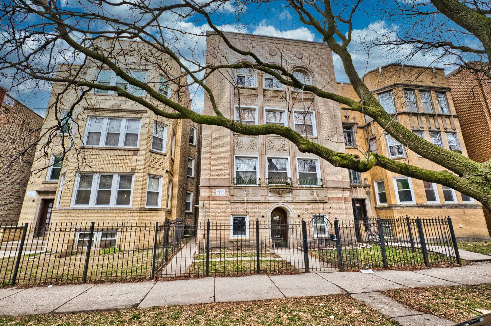 6114 N Washtenaw Avenue, Chicago, IL 60659