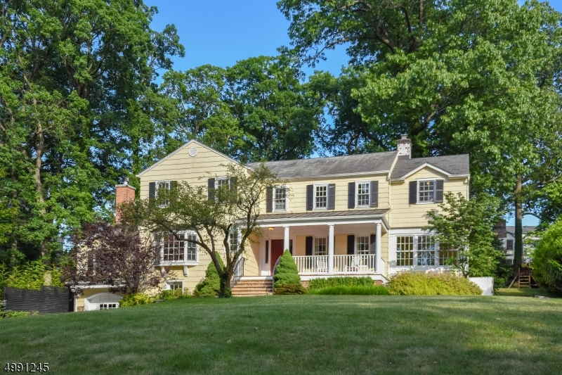 Location!Location!Location! Impressive 6BD/4.1BA colonial beautifully situated in prestigious Northside neighborhood! Charming porch welcomes you into this beautiful home featuring an ideal floor plan for year round entertaining. Chef's kitchen w/butler's pantry opens to family rm with w/b fireplace, French doors to bluestone patio with views of an incredibly private yard. Sun filled, first-floor w/formal dining room, sun room, handsome library w/custom built-ins, formal liv rm with w/b fireplace & French doors spilling out to expansive backyard oasis. The second floor boasts five bedrooms & laundry. Master Suite w/spa-like bath, custom shower & tub, huge WIC & sitting room. Lower Level w/ guest quarters w/en-suite bath, spacious rec rm & plenty of storage. Blocks to downtown, NYC train & Lincoln-Hubbard Elem.