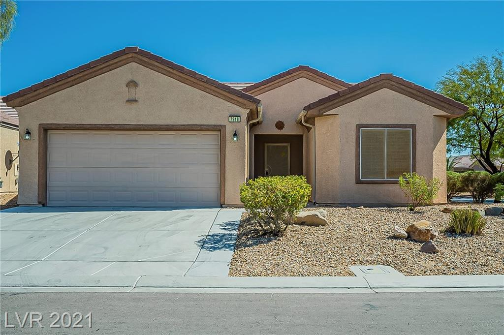 **WOW**Incredible single story W/ 2 car garage*3 bedrooms*Super spacious and open floor plan on a GREAT LOT in a Cul-De-Sac! This beautiful home is move in ready, stunning granite counter tops, two tone interior paint. This is a great peaceful neighborhood with beautiful mountain views.