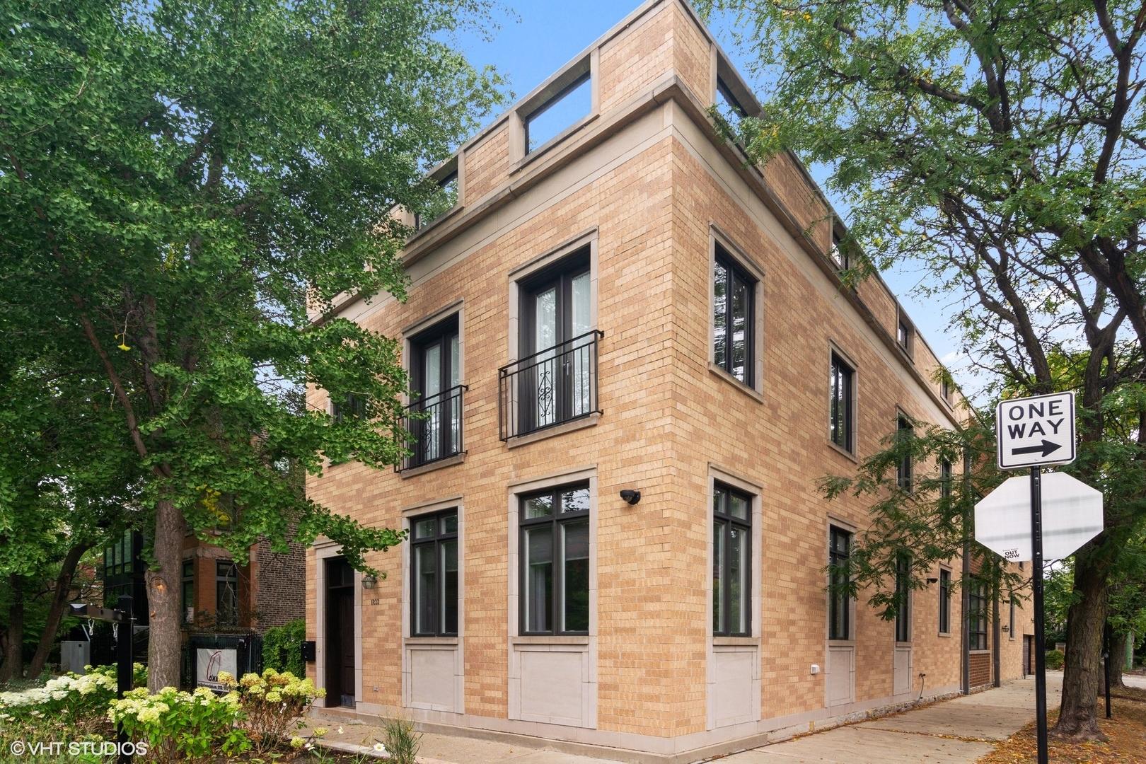 1833 N Leavitt Street, Chicago, IL 60647