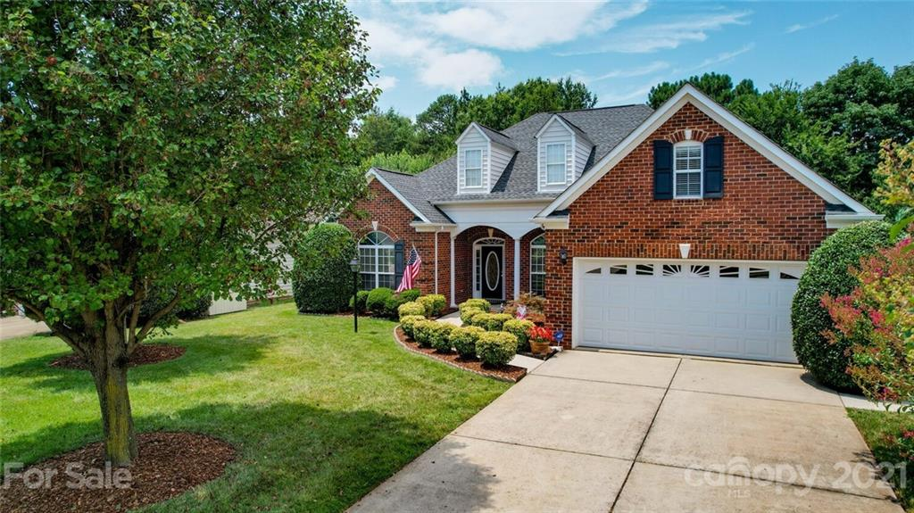 Hard to find Ranch w/the best of Matthews at your doorsteps! Popular Squirrel Lake Park across the street from the community. Minutes to everything Matthews & South Charlotte have to offer-Shopping & Restaurants. Custom built home by TR Williams & offers special details throughout- beautiful brick front, wood trim around interior windows, vaulted & trey Ceilings, separate powder room for guests & lots of storage. Formal Living Room w/ vaulted ceiling & chair rail molding w/decorative wood trim & French doors- nice office space. Great Room w/12 ft ceilings & featuring a stacked stone fireplace. Kitchen w/ plenty of cabinets, pantry-refrigerator to remain. A Split Bedroom floorplan. Spacious Owner's Bedroom w/Trey Ceiling & a large walk in closet & bonus closet. Good sized secondary bedrooms w/ large closets. Fresh paint main level. HVAC 2019, Water Heater 2020 & Roof 2012. Relax on the screened porch & enjoy the beautifully landscaped yard. 8 x 10 Storage Building.
