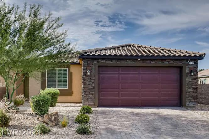 Beautiful single story pool home in Northwest Las Vegas. Open concept kitchen has upgraded cabinets, granite counter tops, and stainless appliances...Tile in all living/wet areas with carpet in bedrooms. Backyard has pool, waterfall, built in BBQ, paver patios, artificial grass, and mountain views. Gated community and HOA does front landscape maintenance.