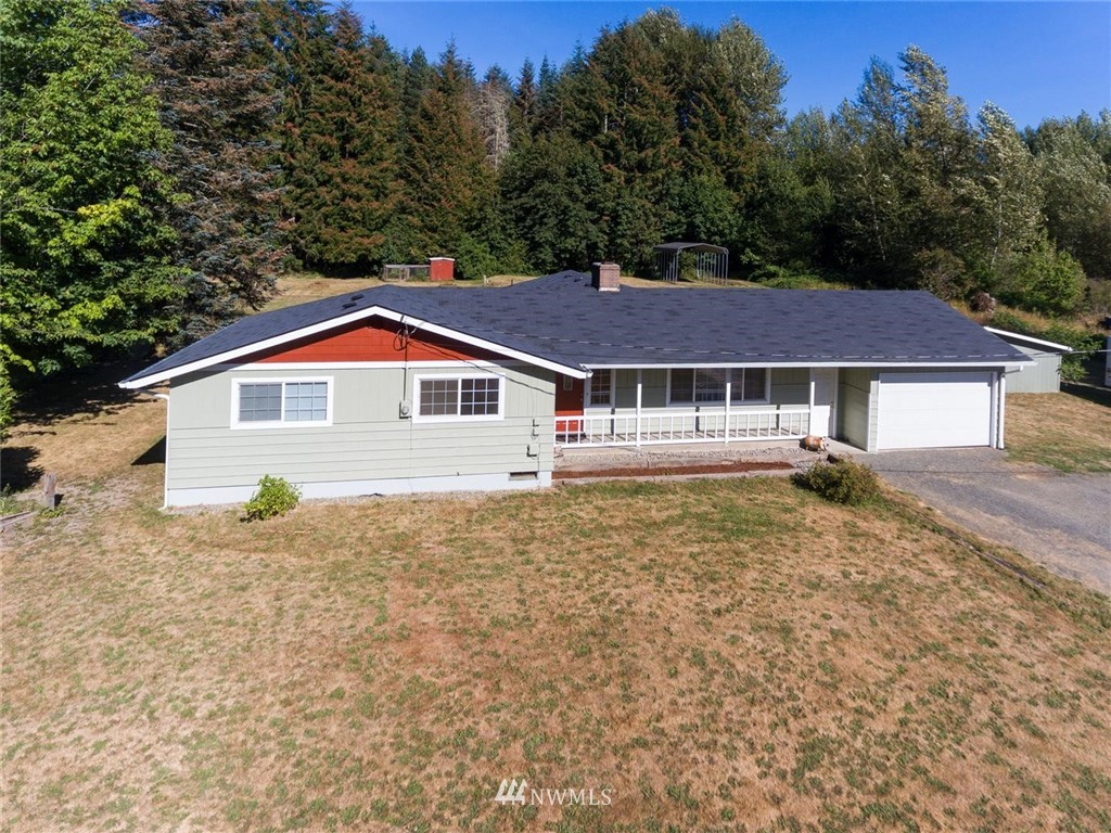 Very well maintained, and recently updated including a new kitchen. Super clean throughout. New mini-split heating and AC. Large grass area behind house with room for recreation, pets or farm animals. Newer kitchen appliances.